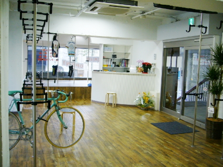 「THE SPACE」店内の様子